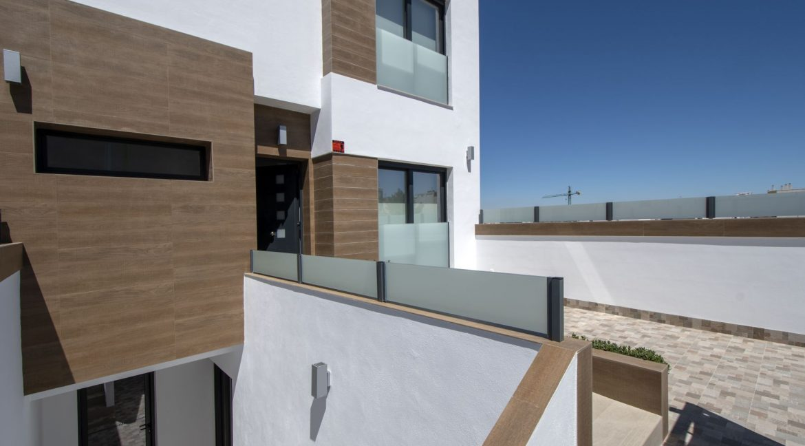 3 Bedrooms and 2 bathrooms Villas For Sale in Benijofar with Swimming Pool (10)