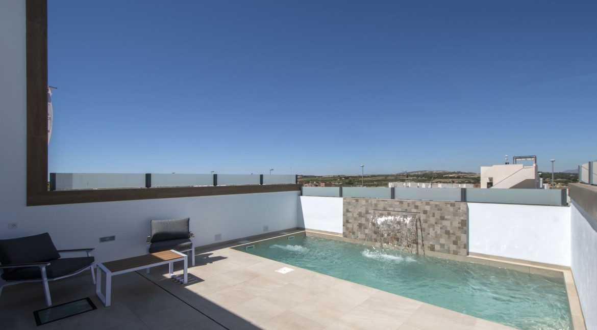 3 Bedrooms and 2 bathrooms Villas For Sale in Benijofar with Swimming Pool (12)