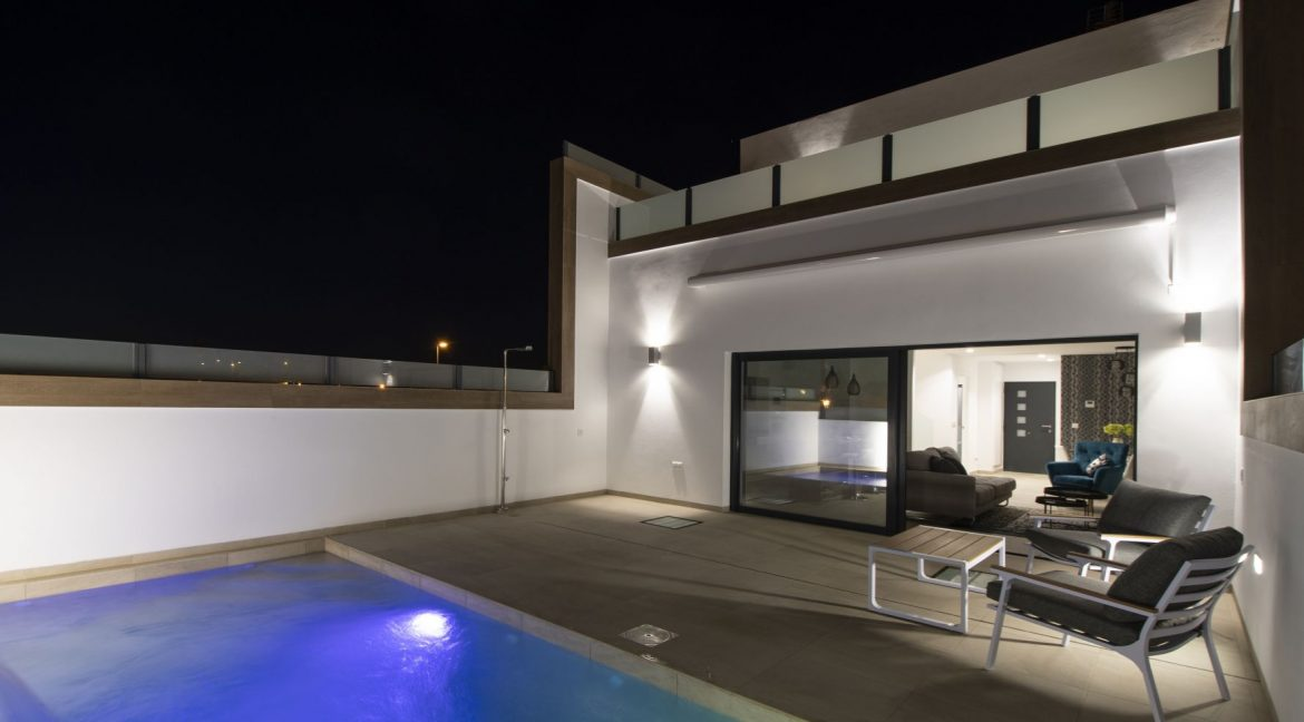 3 Bedrooms and 2 bathrooms Villas For Sale in Benijofar with Swimming Pool (16)