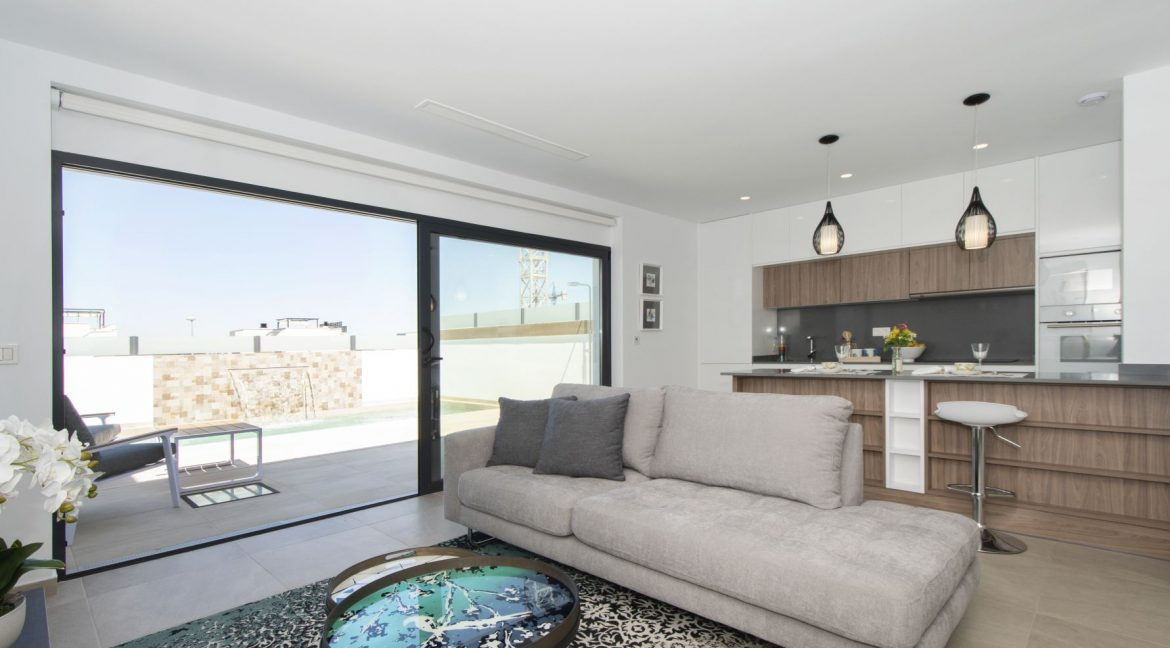 3 Bedrooms and 2 bathrooms Villas For Sale in Benijofar with Swimming Pool (31)