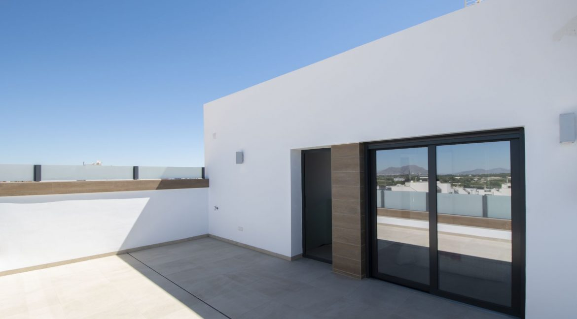 3 Bedrooms and 2 bathrooms Villas For Sale in Benijofar with Swimming Pool (47)