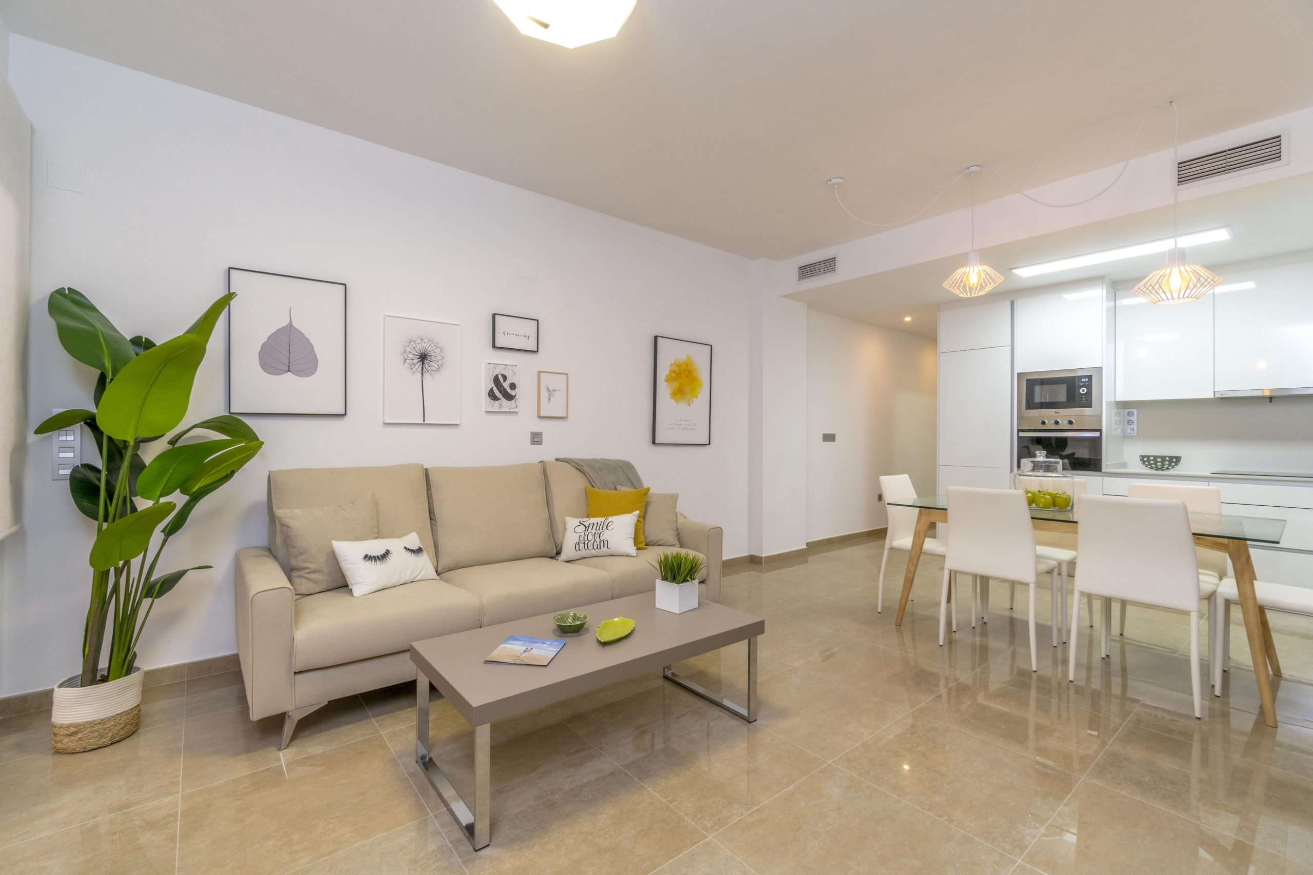 Apartments For Sale in Torrevieja with 3 Bedrooms and Terrace