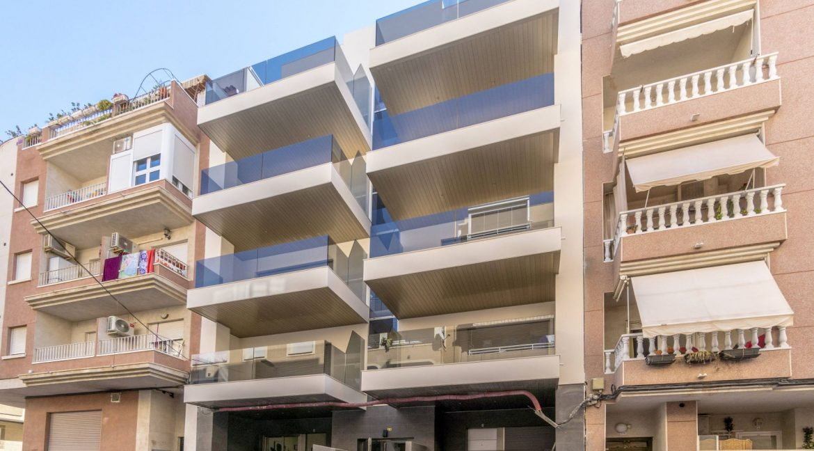3 Bedrooms Apartments For Sale in Torrevieja Beach (10)