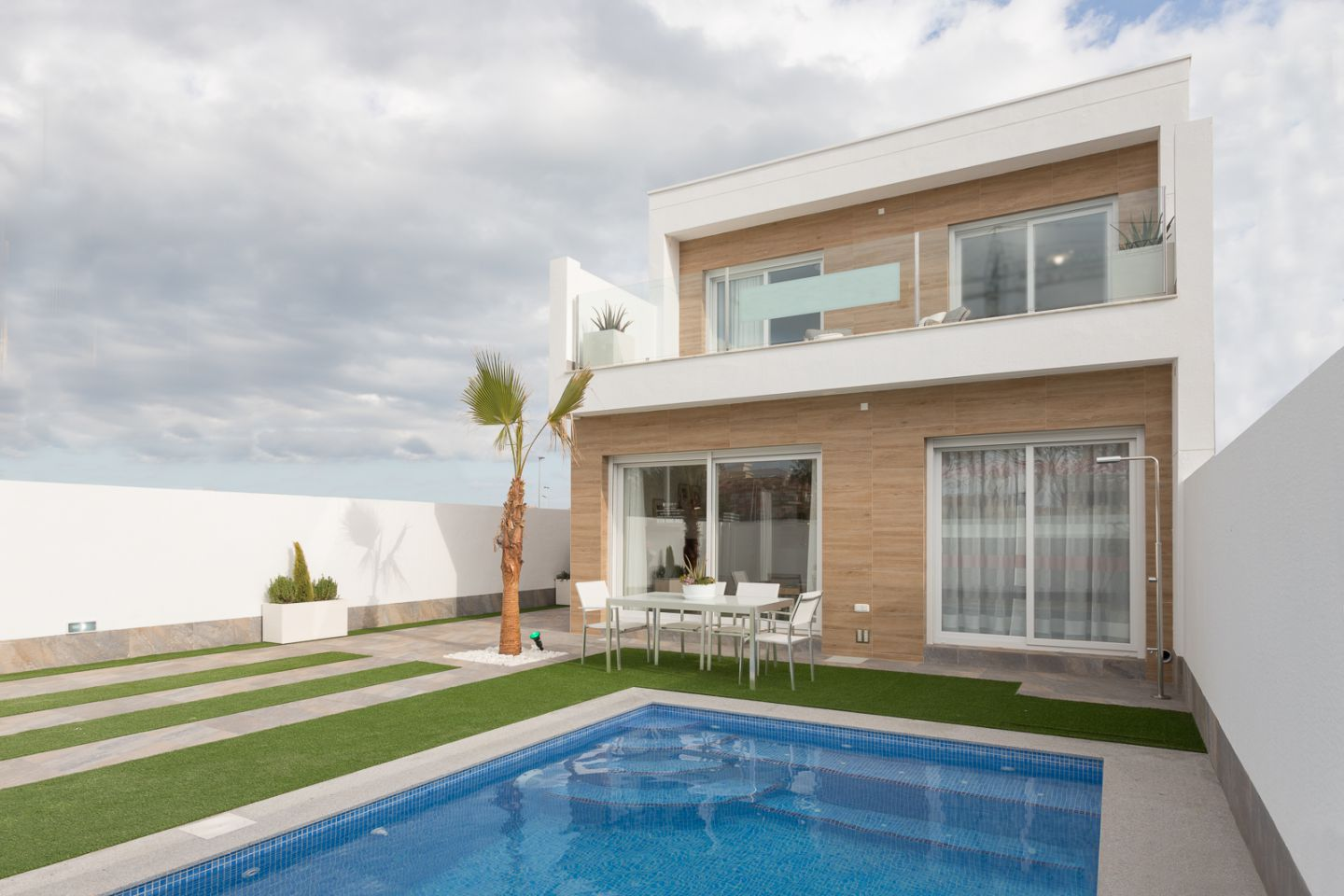 Villas With 3 Bedrooms And Swimming Pool In Pilar De La Horadada