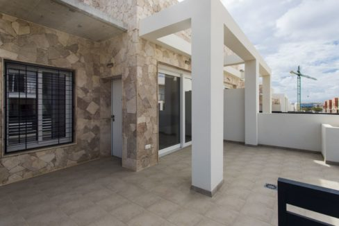 Dúplex with 4 bedrooms, swimming pool, garden and solarium in Torrevieja (30)