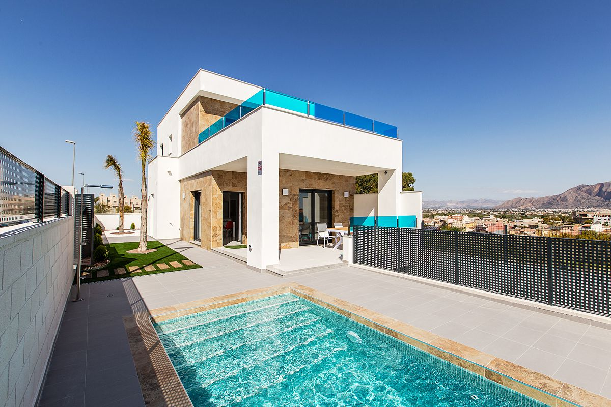 Villas in Bigastro with 3 bedrooms, solarium, terrace and swimming pool