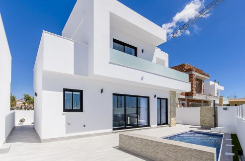 Villa in Los Montesinos with 3 bedrooms and solarium