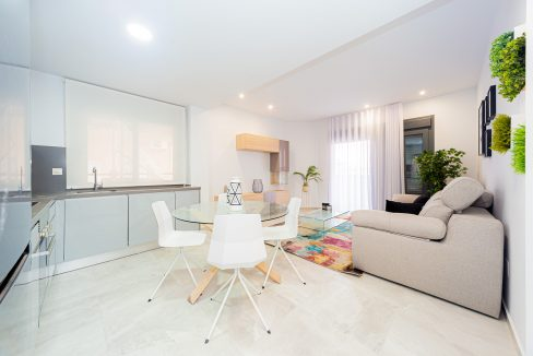 Apartments For Sale With 2 Bedrooms, Terrace And Solarium In Torrevieja (1)