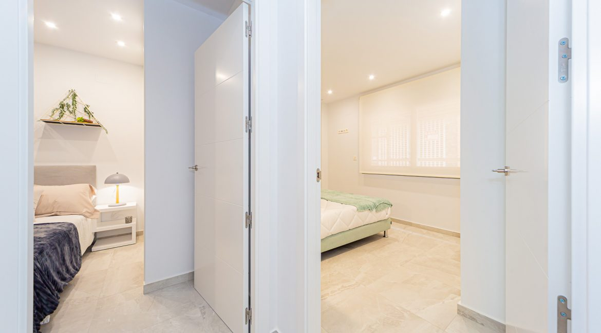 Apartments For Sale With 2 Bedrooms, Terrace And Solarium In Torrevieja (10)