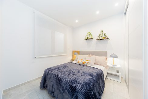 Apartments For Sale With 2 Bedrooms, Terrace And Solarium In Torrevieja (11)