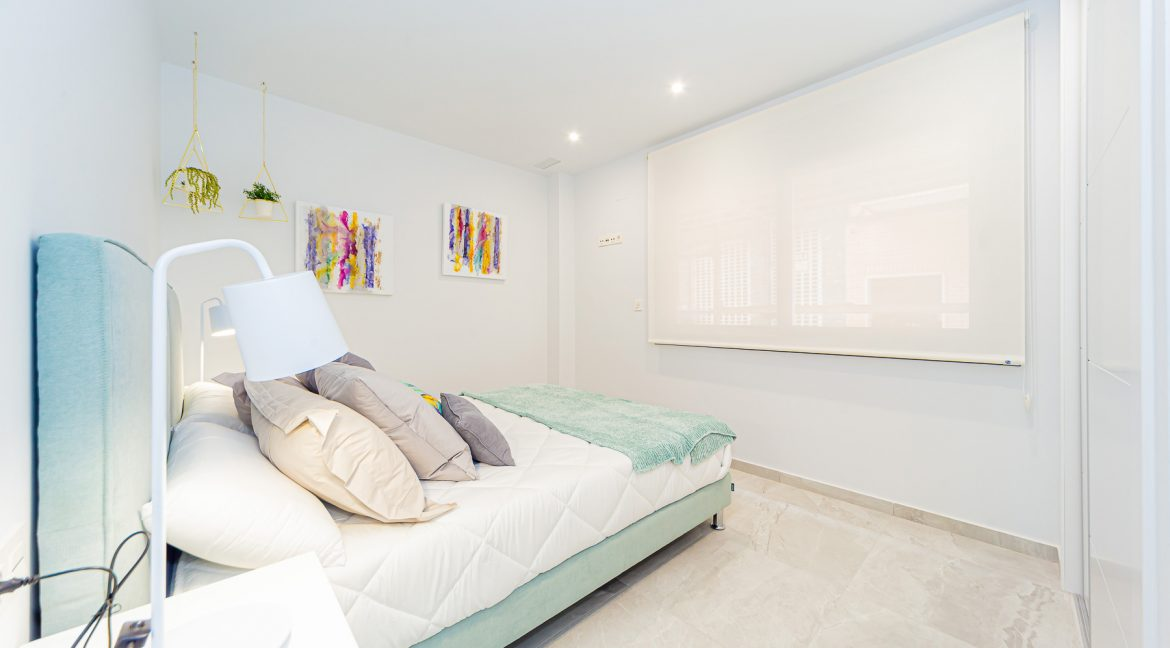 Apartments For Sale With 2 Bedrooms, Terrace And Solarium In Torrevieja (13)