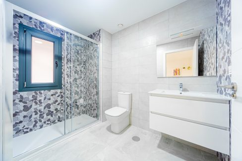 Apartments For Sale With 2 Bedrooms, Terrace And Solarium In Torrevieja (16)