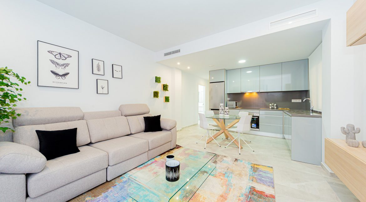 Apartments For Sale With 2 Bedrooms, Terrace And Solarium In Torrevieja (4)
