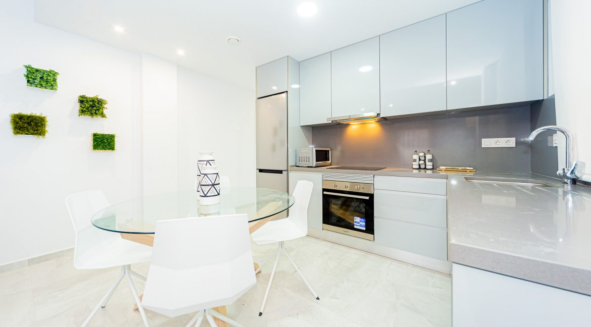 Apartments For Sale With 2 Bedrooms, Terrace And Solarium In Torrevieja (6)