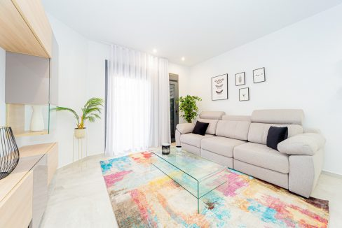 Apartments For Sale With 2 Bedrooms, Terrace And Solarium In Torrevieja (7)