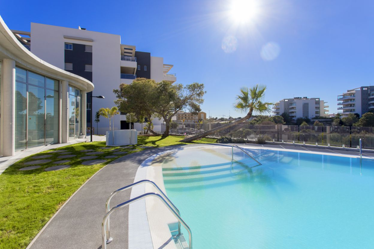 Apartments For Sale with 3 Bedrooms and Roof Terrace in Orihuela Costa