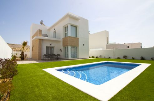 3 Bedrooms Villa for sale near the Golf Course