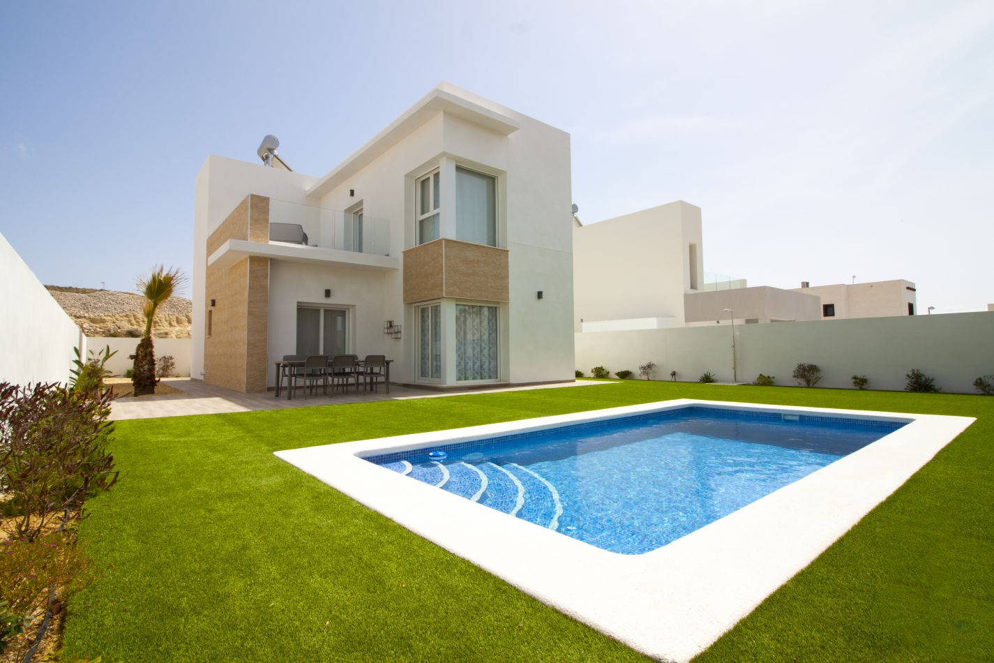3 Bedrooms Villas For Sale Near the Golf Course La Marquesa