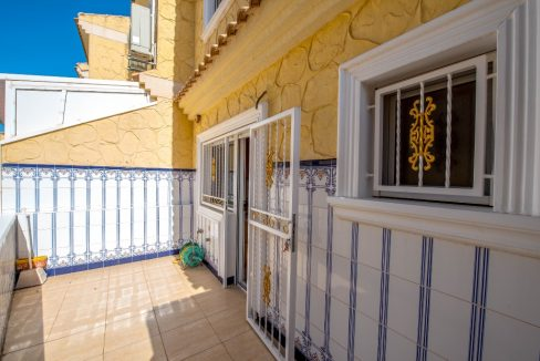 3 Bedrooms Townhouse in Punta Prima For Sale