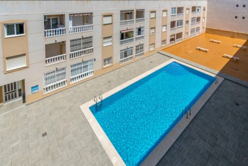 1 Bedroom Close To The Beach With Garage Included(11)
