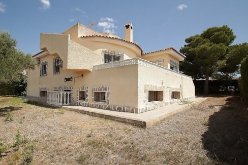 4 Bedrooms Villa for sale in Torrevieja