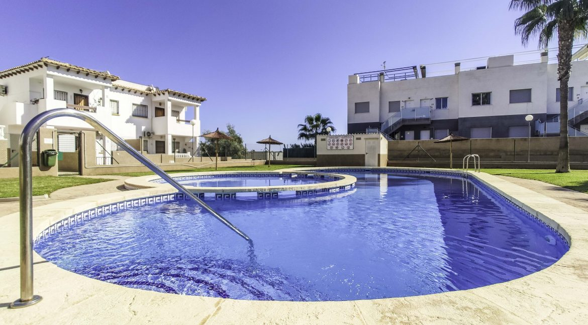 2 Bedroms Top Floor Apartment For Sale in Punta Prima Beach (7)