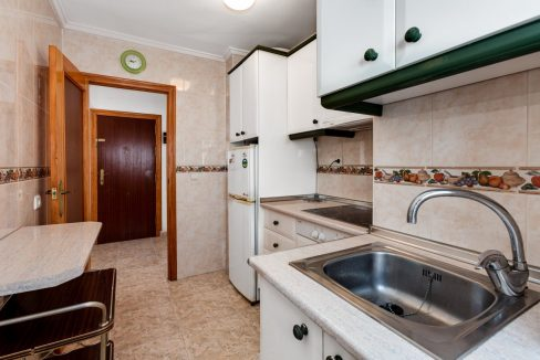 2 Bedrooms Apartment For Sale Near Playa del Cura (11)