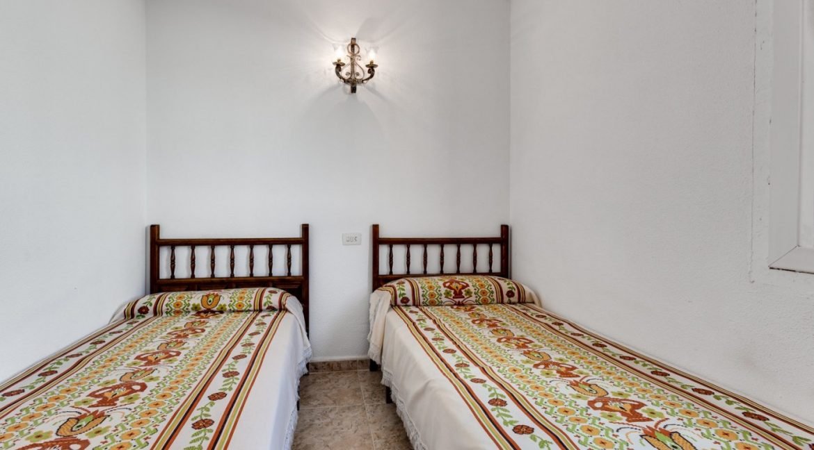 2 Bedrooms Apartment For Sale Near Playa del Cura (16)