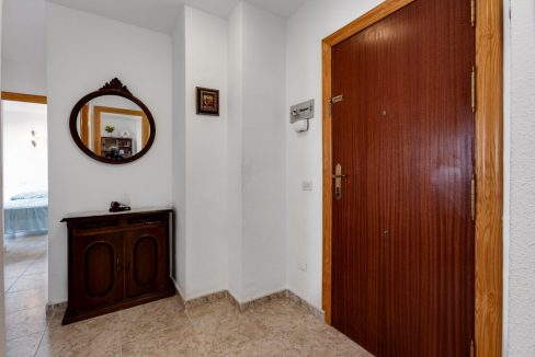2 Bedrooms Apartment For Sale Near Playa del Cura (18)