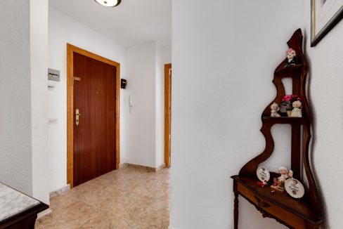2 Bedrooms Apartment For Sale Near Playa del Cura (19)