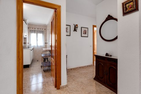 2 Bedrooms Apartment For Sale Near Playa del Cura (20)
