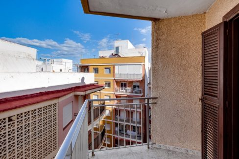 2 Bedrooms Apartment For Sale Near Playa del Cura (28)