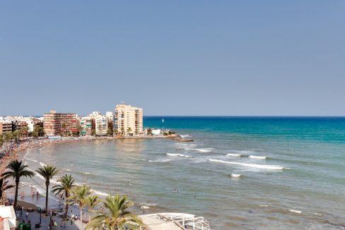 2 Bedrooms Apartment For Sale Near Playa del Cura (34)