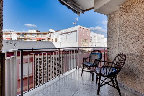 2 Bedrooms Apartment For Sale Near Playa del Cura (4)