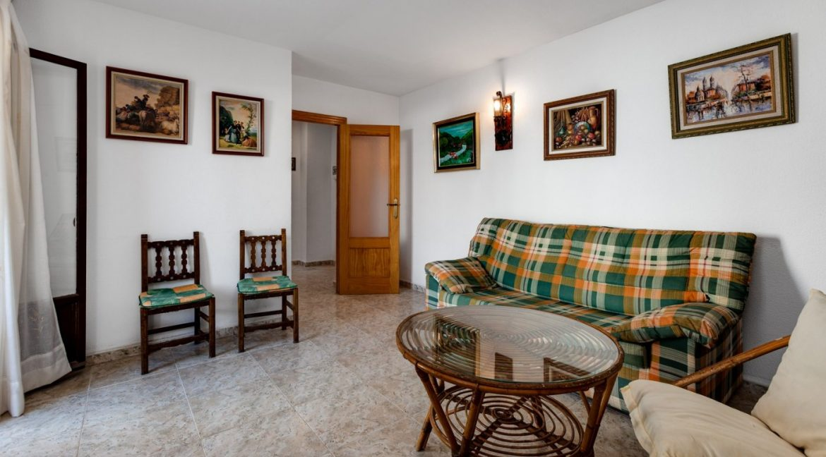 2 Bedrooms Apartment For Sale Near Playa del Cura (7)