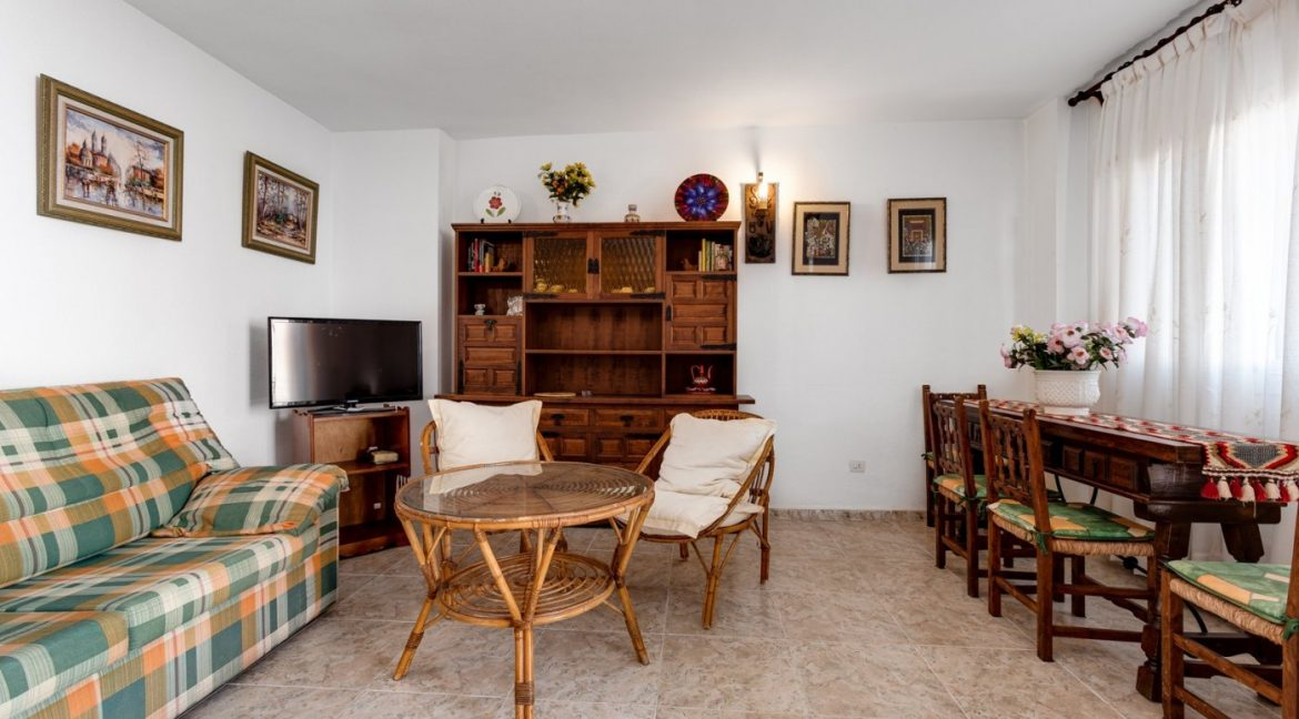 2 Bedrooms Apartment For Sale Near Playa del Cura (9)