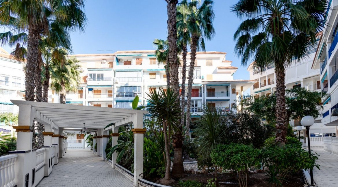 2 Bedrooms Apartment For Sale Near la Mata Beach (1)