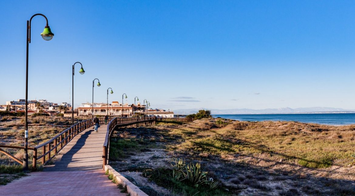 2 Bedrooms Apartment For Sale Near la Mata Beach (10)