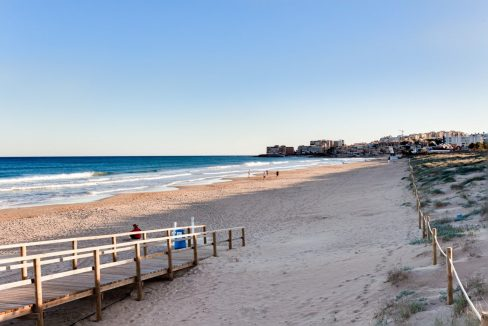 2 Bedrooms Apartment For Sale Near la Mata Beach (7)