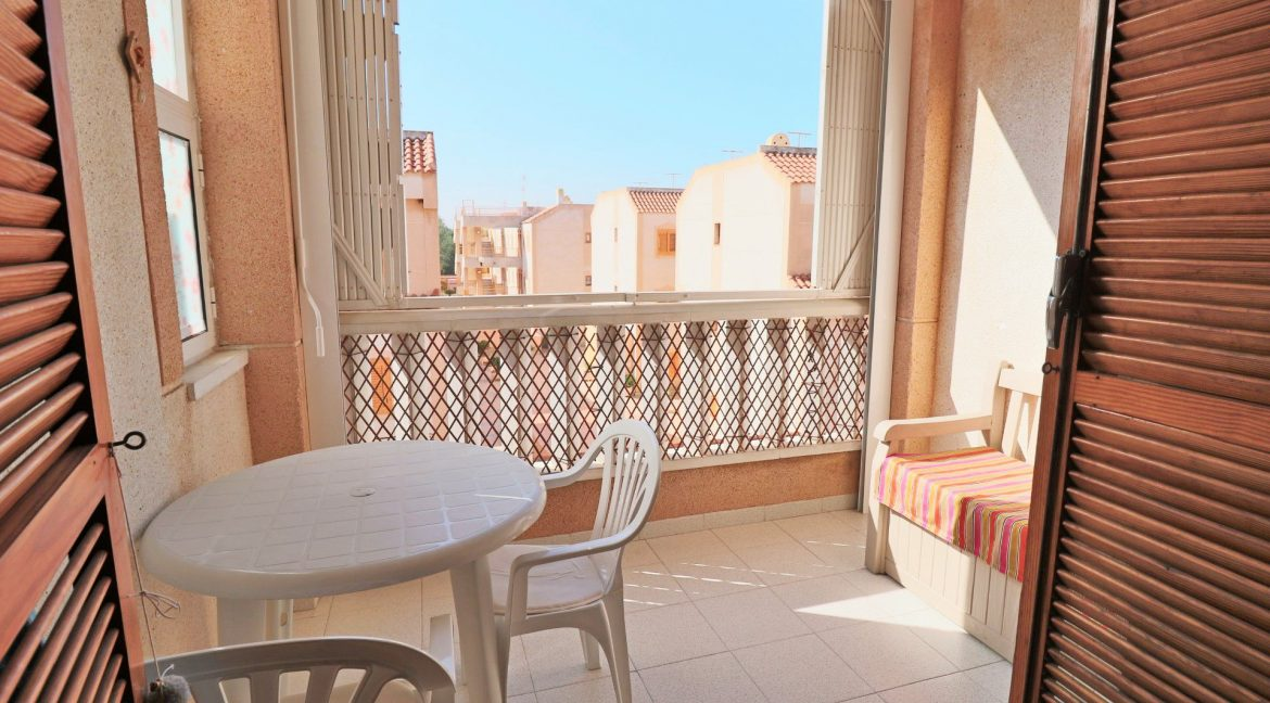 2 Bedrooms Apartment for Sale in Torrevieja Near Los Naufragos Beach (11)