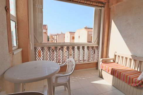 2 Bedrooms Apartment for Sale in Torrevieja Near Los Naufragos Beach (12)