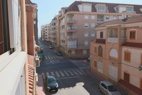 2 Bedrooms Apartment for Sale in Torrevieja Near Los Naufragos Beach (13)