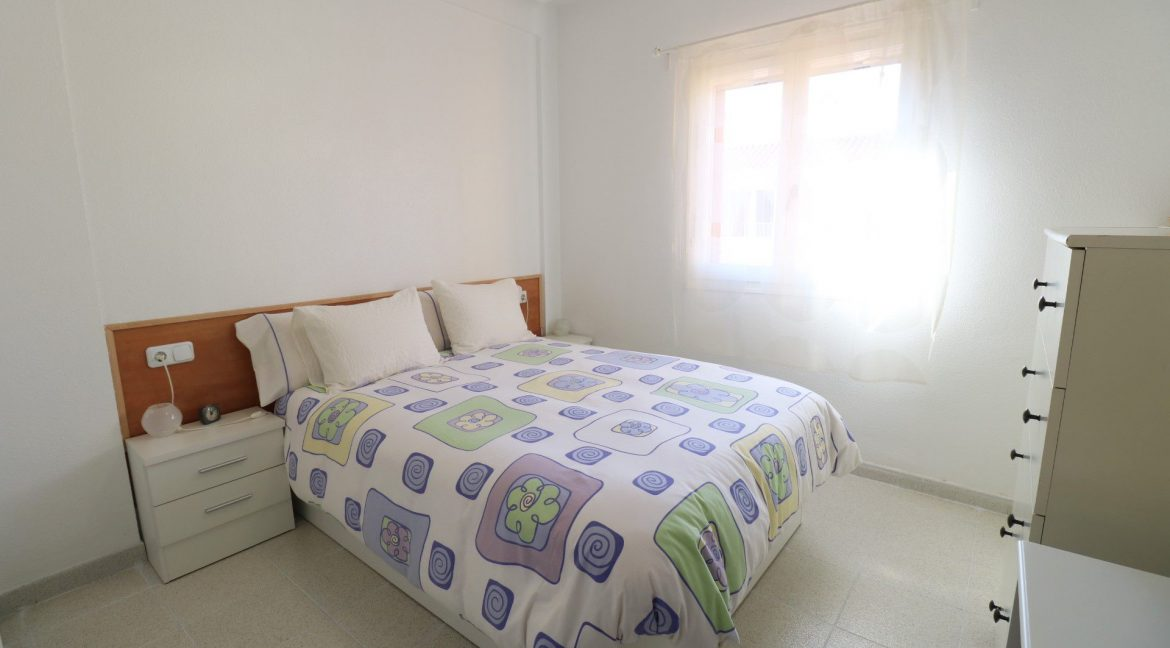 2 Bedrooms Apartment for Sale in Torrevieja Near Los Naufragos Beach (16)