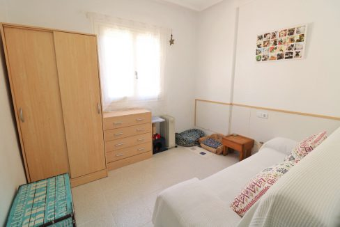 2 Bedrooms Apartment for Sale in Torrevieja Near Los Naufragos Beach (18)