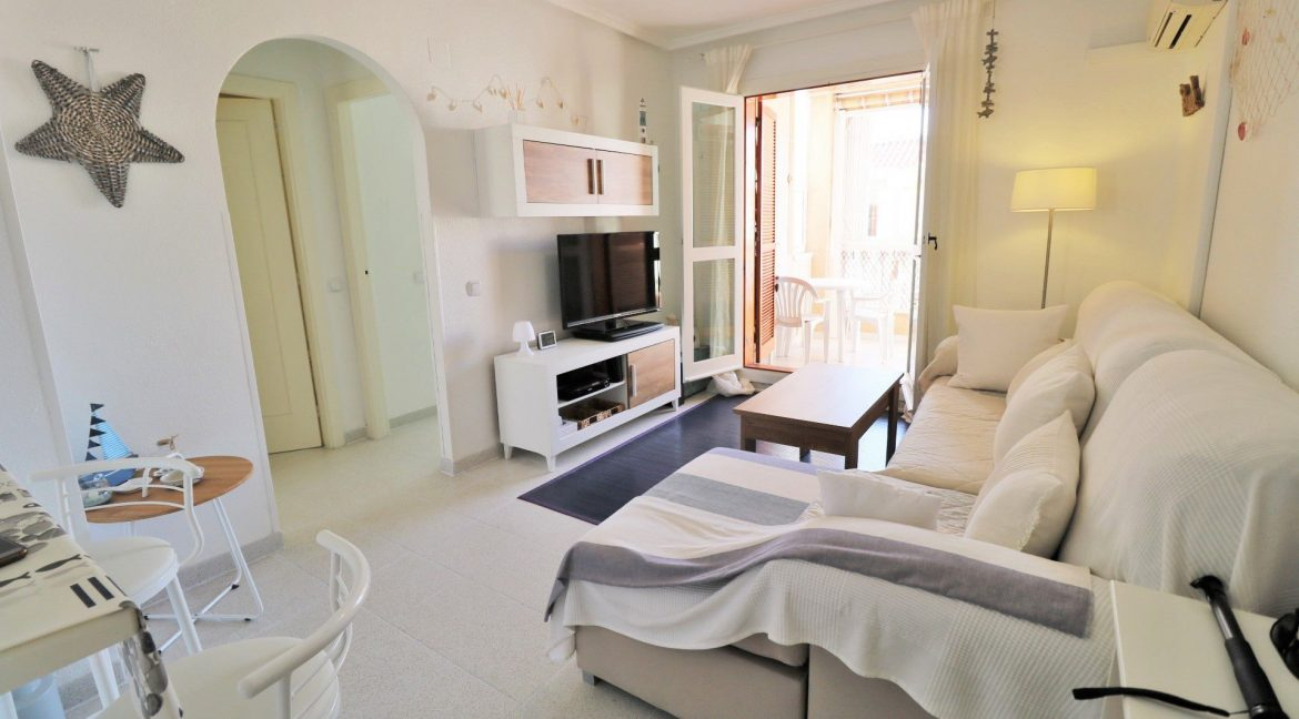 2 Bedrooms Apartment for Sale in Torrevieja Near Los Naufragos Beach (2)
