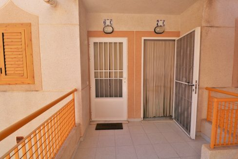 2 Bedrooms Apartment for Sale in Torrevieja Near Los Naufragos Beach (22)