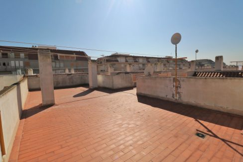 2 Bedrooms Apartment for Sale in Torrevieja Near Los Naufragos Beach (24)