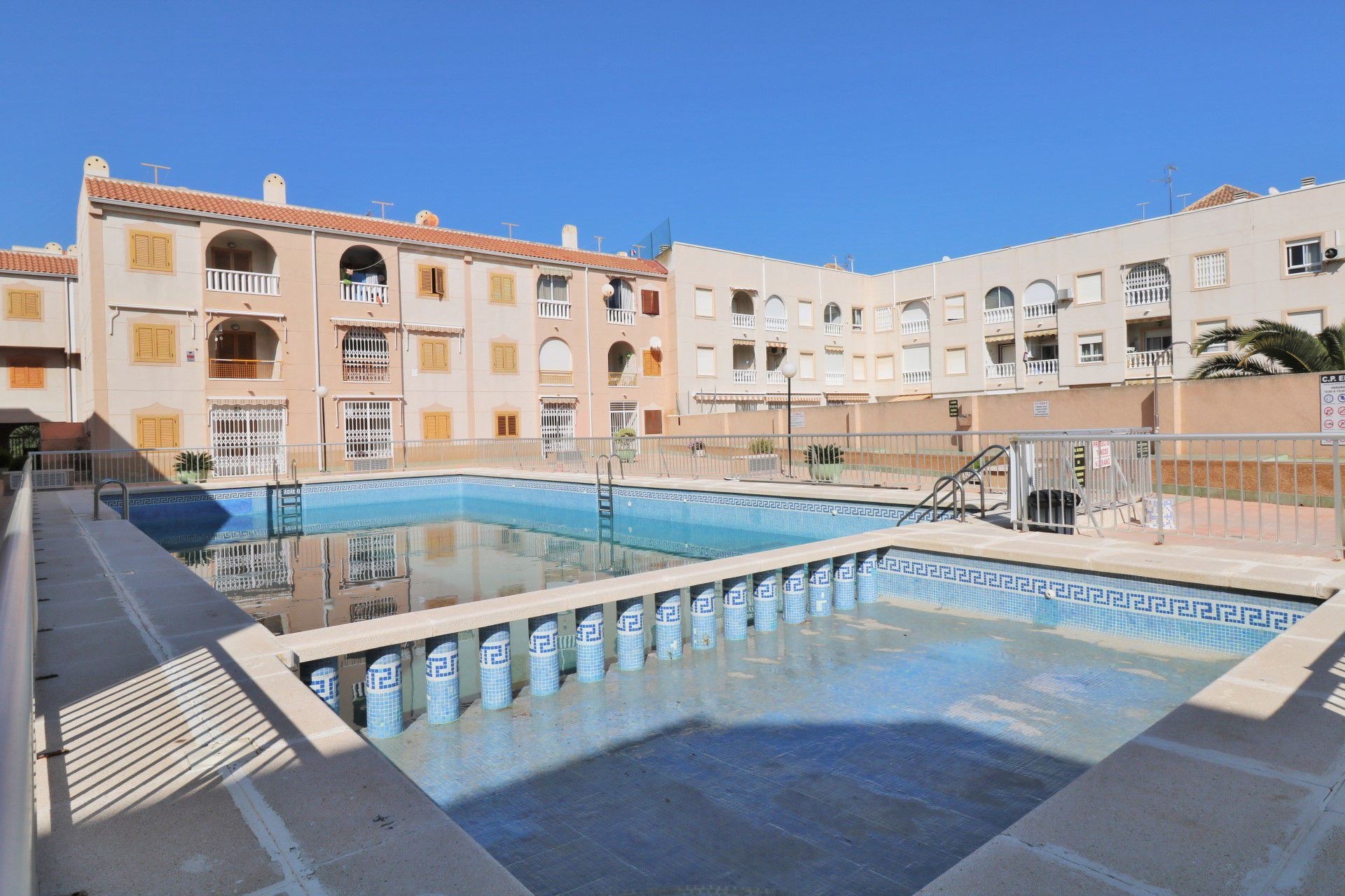 Beautiful 2 Bedrooms Apartment with Swimming Pool Near Los Naufragos Beach