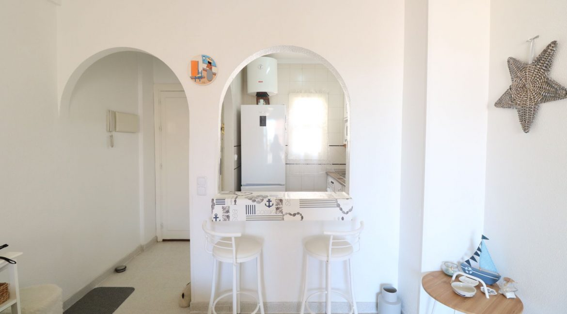 2 Bedrooms Apartment for Sale in Torrevieja Near Los Naufragos Beach (5)
