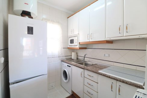 2 Bedrooms Apartment for Sale in Torrevieja Near Los Naufragos Beach (6)